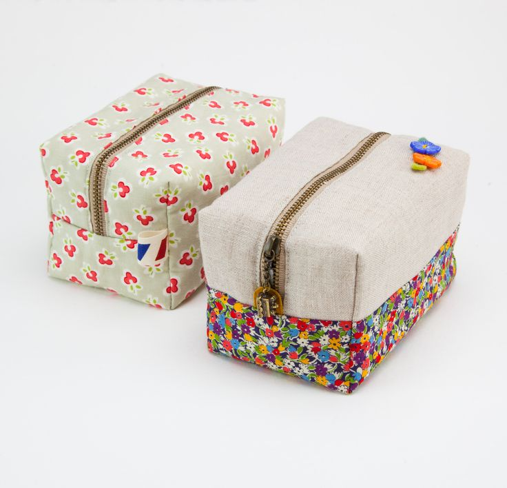 DIY block zippered pouch or makeup bag.  #make #sew