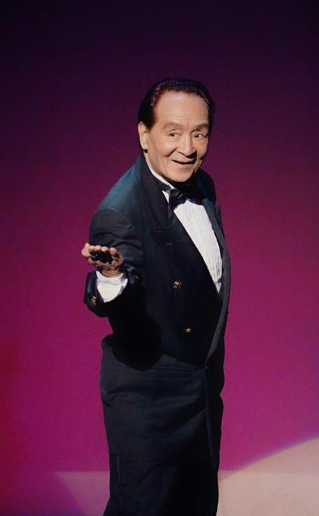 ゲスト◇中野章三 (タップダンサー 中野ブラザーズ) 中野啓介、中野章三のタップダンスデュオ。1940年、大衆演劇「中野チンピラ劇団」の子役としてデビュー。その後、「小雀劇団」の子役として京都で数多くの映画に出演。1953年、「中野ブラザーズ」を名乗って再上京。米軍キャンプや東京キューバンボーイズのショー、日劇等に出演。2017年、70周年記念公演を機にメディアの注目を集め、テレビ、新聞、雑誌など多数出演。この年、日本テレビ『24時間テレビ』の武道館の舞台に生出演。大きな反響を得る。2007年、60周年記念公演。2010年8月10日に兄の敬介が急逝。 2017年、70周年記念公演を機にメディアの注目を集め、テレビ、新聞、雑誌など多数出演。夏、日本テレビ『24時間テレビ』の武道館の舞台に生出演。大きな反響を得る。80歳、芸歴77年、タップダンス歴70年、円熟味を増すエレガントな中野ブラザーズ流のタップダンスで、 いつまでも人々を魅了し続ける。http://nakanobros.com/