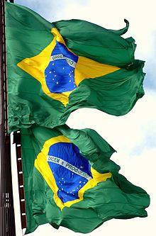Bandeira do Brasil – Cerimônia mensal da troca da bandeira, na Praça dos Três Poderes, em Brasília (Imagem:José Cruz/ABr) .