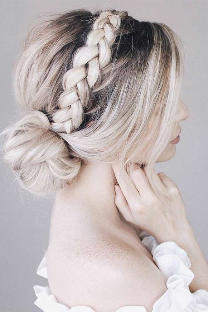 33 Cool Winter Hairstyles for the Holiday Season ★ Braided Hairstyles for Short Hair ★ See more: http://glaminati.com/cool-winter-hairstyles-holiday/ #hairstyleideas #braidstyles #braidhair