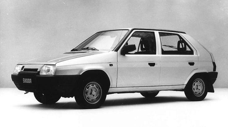 Auch der kompakte Skoda Favorit im Bertone-Design wird als modernstes Ostblock-Modell 1987 vorgestellt.