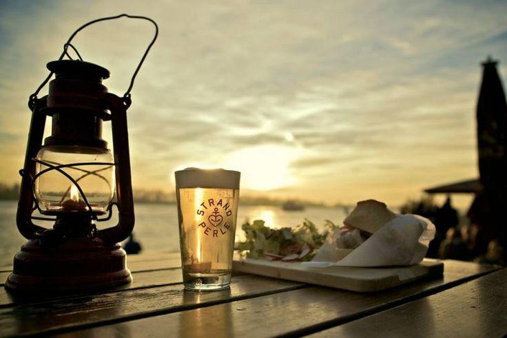 das Ausflugsziel der besonderen Art - die Strandperle am Elbstrand Foto: ©Alex Bunge