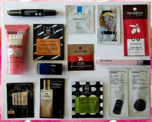 Giveaway_με_δώρο_κουτί_γεμάτο_προϊόντα_μακιγιάζ_και_περιποίησης