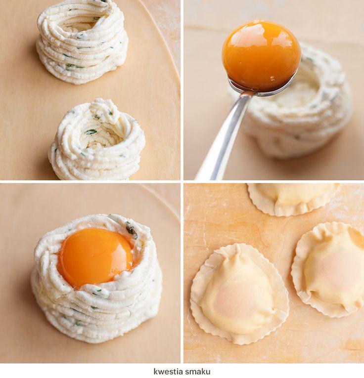 Przygotowanie raviolo con uovo