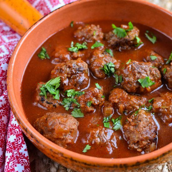 Yummy Meatballs in a Tangy Sweet Tomato-Maple Sauce