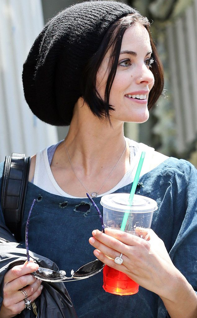 Jaimie Alexander Flaunts Her Massive Engagement Ring From Peter Facinelli?See the Dazzling Diamond! | E! Online Mobile