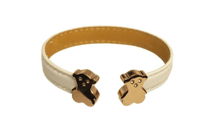 This PU bracelet adorned with two gold plated stainless steel bears is sure to bring you good luck and recognition of your unique style!