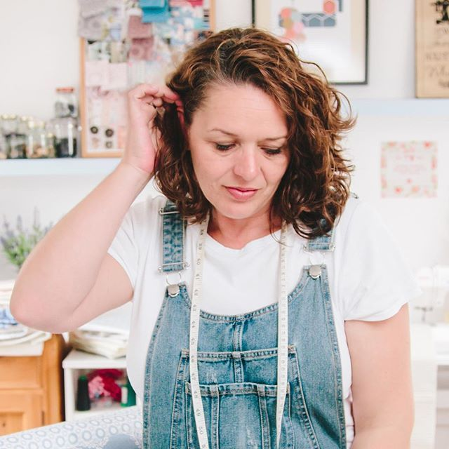 This is me! I HATE having my photo taken as I always feel judged which doesn't help with self confidence. Last year I had a studio shoot with the lovely @lyndseyjamesphotos and she managed to get some fab photos of me in my studio, i was so nervous but Ly