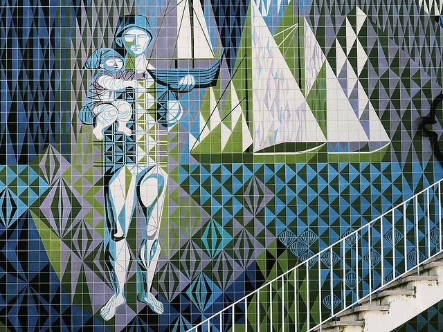 Maria Keil glazed tiles pannel in Lisbon