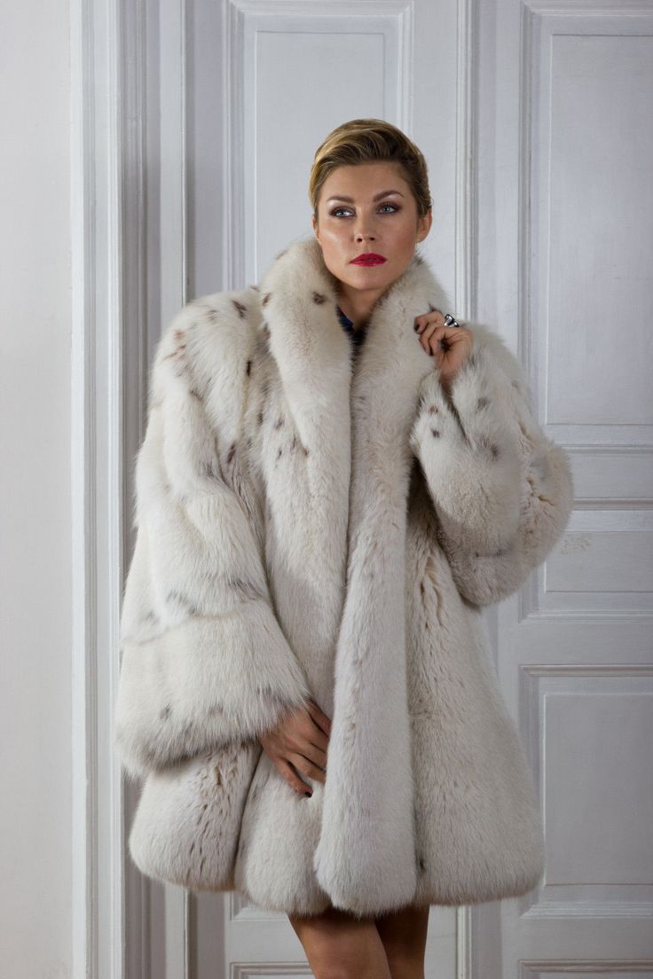 GIRL!!! Fox Fur Coat Sex hot