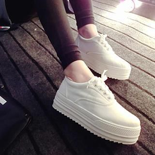 Buy 'Zandy Shoes – Platform Lace-Up Sneakers' with Free International Shipping at YesStyle.com. Browse and shop for thousands of Asian fashion items from China and more!