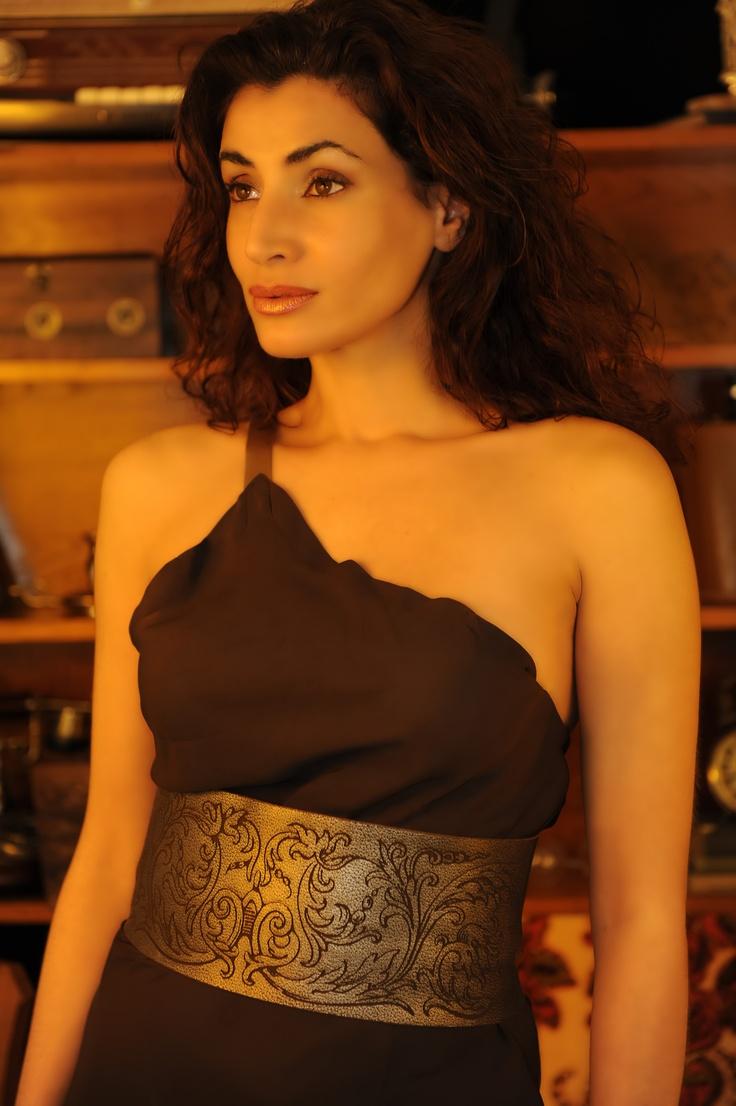 Rosanna Walls vestida de un1kos.com