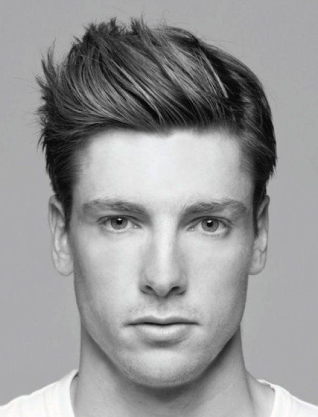Corte de pelo cabeza rectangular hombre