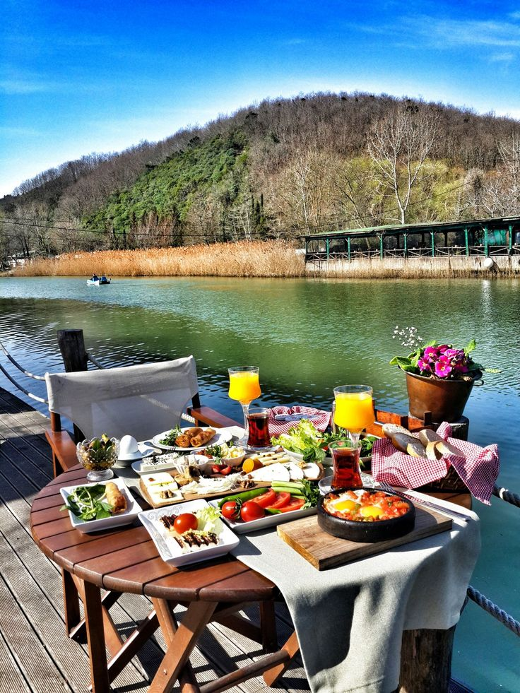 Turkish Breakfast / Ağva Robin's Nest Eco Resort - Şile,İstanbul // By Derya Korkmaz (kesifperisi)