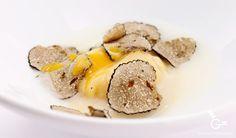 Raviolis de yema de huevo con crema de parmesano y trufa 1