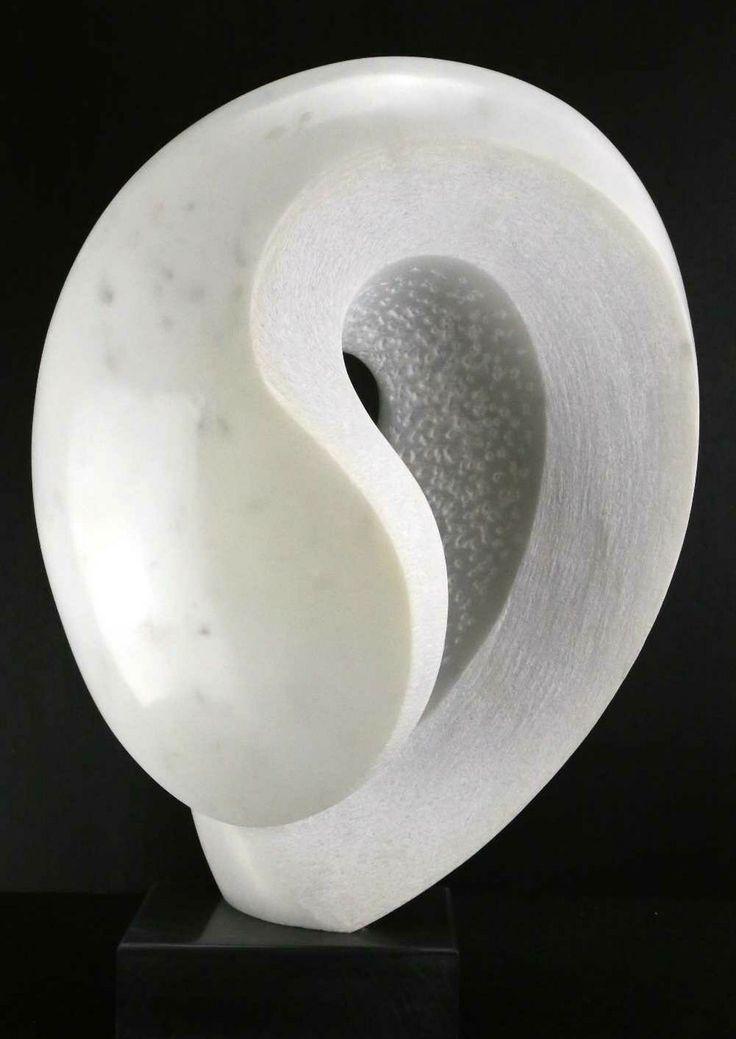 25 beste idee n over abstracte sculptuur op pinterest. Black Bedroom Furniture Sets. Home Design Ideas