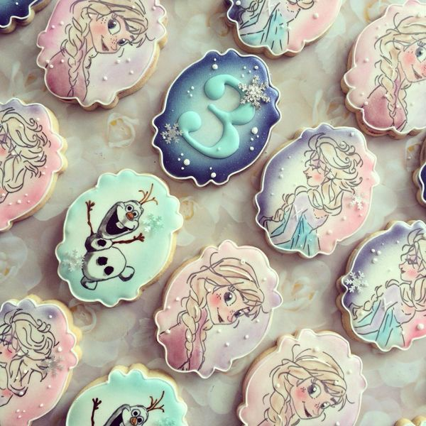 Make your Frozen party magical with these 15 amazing Disney Frozen Inspired Cookies. Your guests will be blown away by these creative desserts at your party
