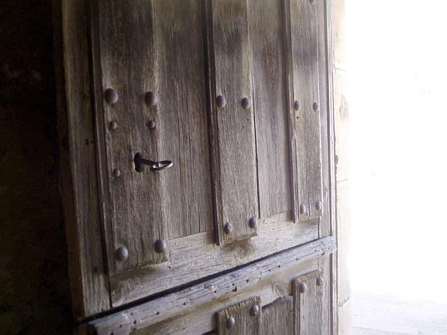 48 mejores im genes sobre puertas antiguas de madera en for Imagenes de puertas de madera antiguas