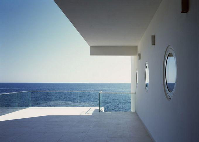 dezeen_Yacht-House-by-Robin-Monotti_ss_4.jpg