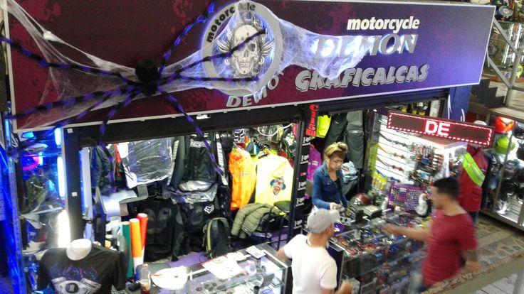 Almacen Moto Cycle Damon Ave Caracas con 17 Bogota Colombia