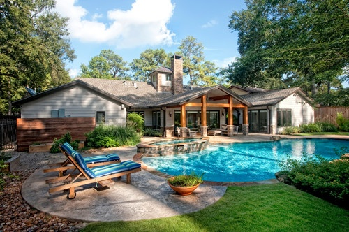 love the rough cedar posts for covered porch and the small ... on Covered Pool Patio Ideas id=49380