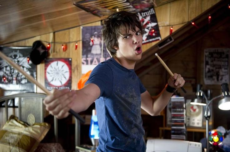 devon bostick diary of a wimpy kid | Diary Of A Wimpy Kid: Dog Days! :D