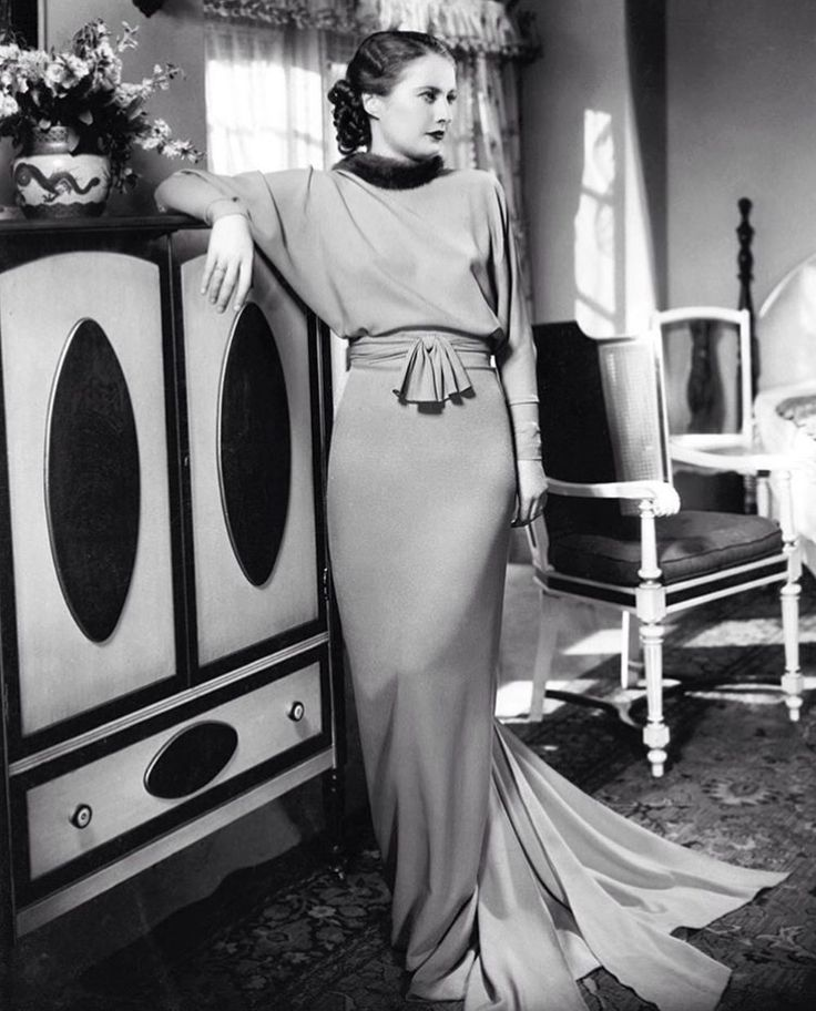 Barbara Stanwyck. What elegance!