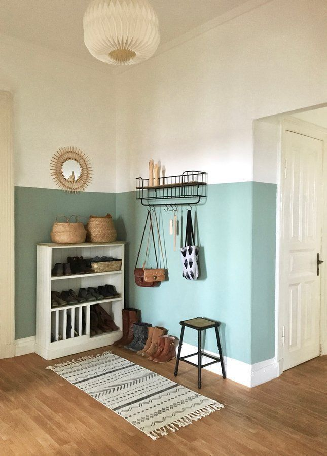 color in the hallway - Paint halfway up the hallway? -New color in the hallway - Paint halfway up the hallway? Decoration Hall, Home Interior, Interior Design, Diy Home Decor, Room Decor, Home Accents, Sweet Home, New Homes, House Design