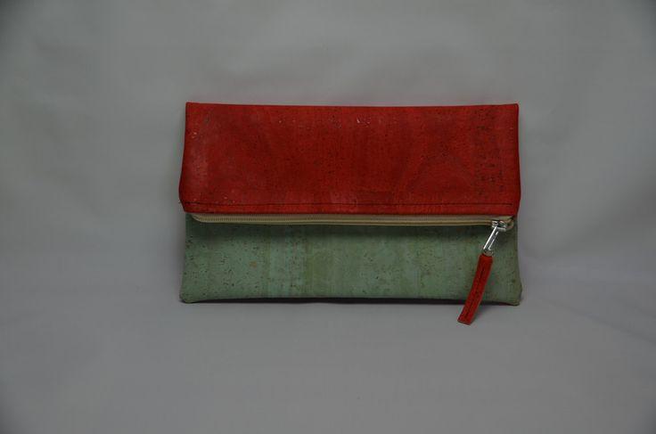 Clutches - Clutch - ein Designerstück von StoffAttitude bei DaWanda zu kaufen unter: http://de.dawanda.com/product/101310251-clutch