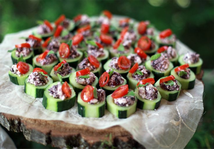 17 best images about girly appetizers on pinterest for Canape meaning in english