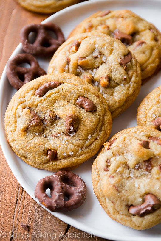 Learn how to make EXTRA chewy chocolate chip cookies using these tips and tricks! With crunchy chocolate covered pretzels and sea salt on top! Recipe sallysbakingaddiction.com