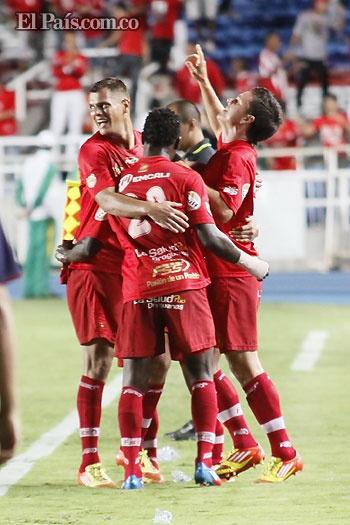 América de Cali le regaló a su hinchada una gran presentación en el complemento y goleó 4-0 a Universitario de Popayán,