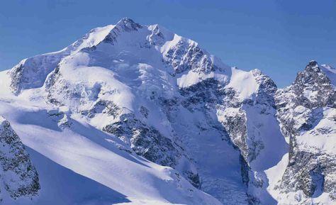 Trois alpinistes ont chuté et perdu la vie alors qu'ils escaladaient jeudi le Piz Bernina, dans l'est de la Suisse, a indiqué la...
