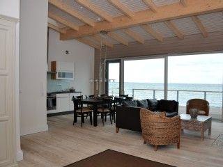 Strandlounge 1 in Dänisch-Nienhof: 2 Schlafzimmer, für bis zu 4 Personen. Luxus Apartment direkt auf dem Sandstrand 5 ***** | FeWo-direkt