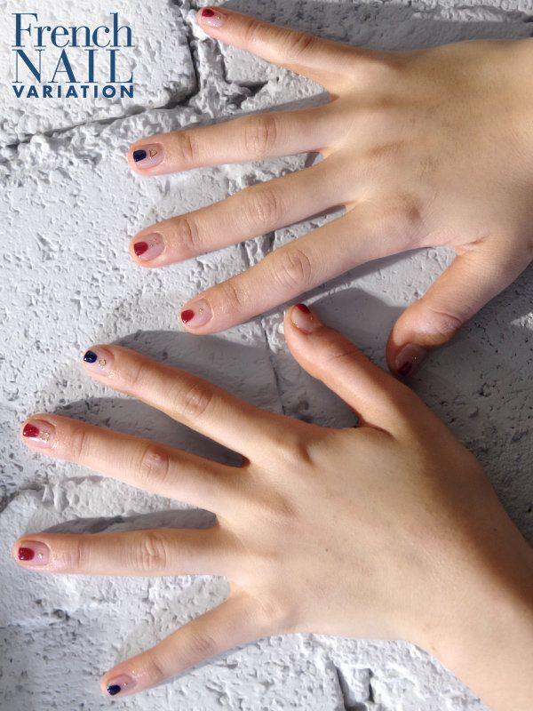 """「変形フレンチ」をまっとうすべく、最終回もやはりクリアベースにこだわった木田久美子さん。ネイルの先端を狭い幅で""""ちょい塗り""""し、その下にさまざまなパターンのメタルパーツをあしらった、キュートなフレンチネイルがこちら。極小の丸スタッズや中抜きのスクエアにトライアングルといったパーツはいずれもヌケ感にあふれ、クリアベースを生かした繊細なディテール。フレンチネイルのもつクリーンな印象をそのままに、高度なアートを完成させた。"""