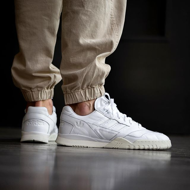 Pin by Robert on Casual Style | Adidas, Sneakers, Sneaker head