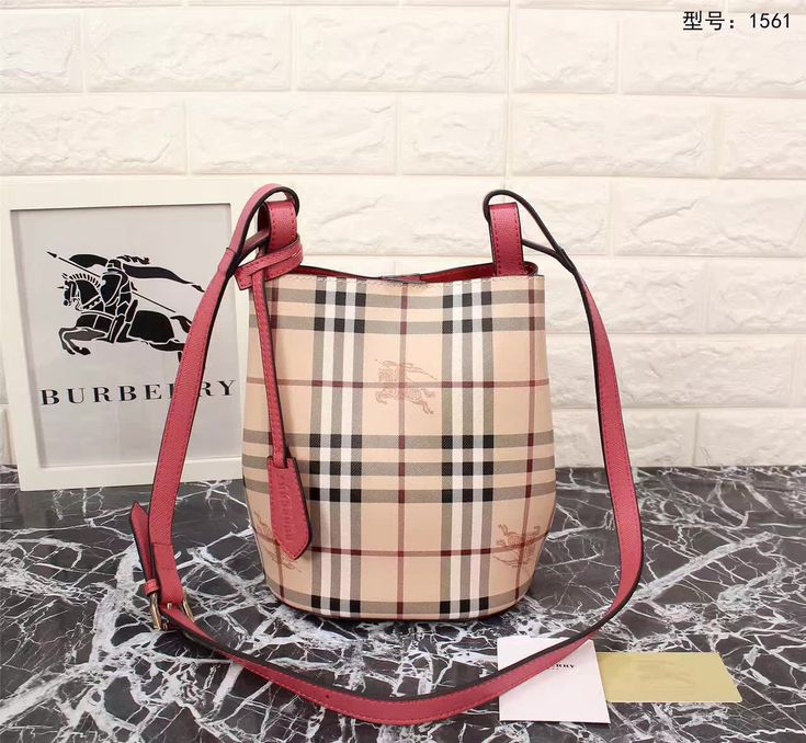Burberry Shoulder Bags 1561