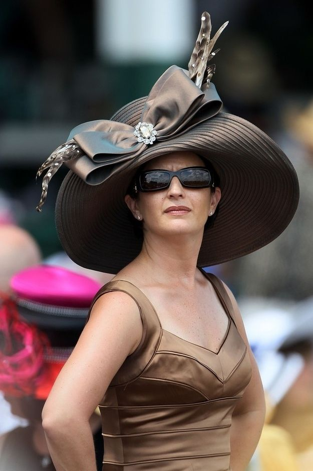 54 Photos Of Badly Dressed Celebrities, Large Hats, And Drunk People At The Kentucky Derby.  I have this hat.