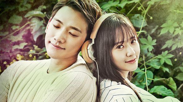 Un drama de fantasía romántica ambientada en el mundo del K-pop, que representa la historia de unos jóvenes que superan sus dolorosos recuerdos a través de la música y el amor. Hyun Wook es el compositor y productor de una compañía de entretenimiento que es reservado. Después de perder a su novia en un accidente se encuentra con la hermana menor de ésta, Se Na que llega a Seúl para convertirse en cantante a raíz de la repentina muerte de su madre y su hermana.  Si Woo es el miembro más…