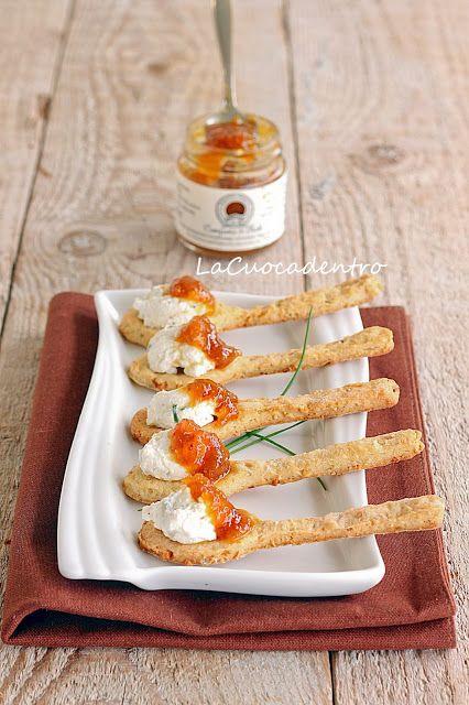La Cuoca Dentro: Cucchiaini di frolla salata alle nocciole, ricotta di bufala e composta di fichi
