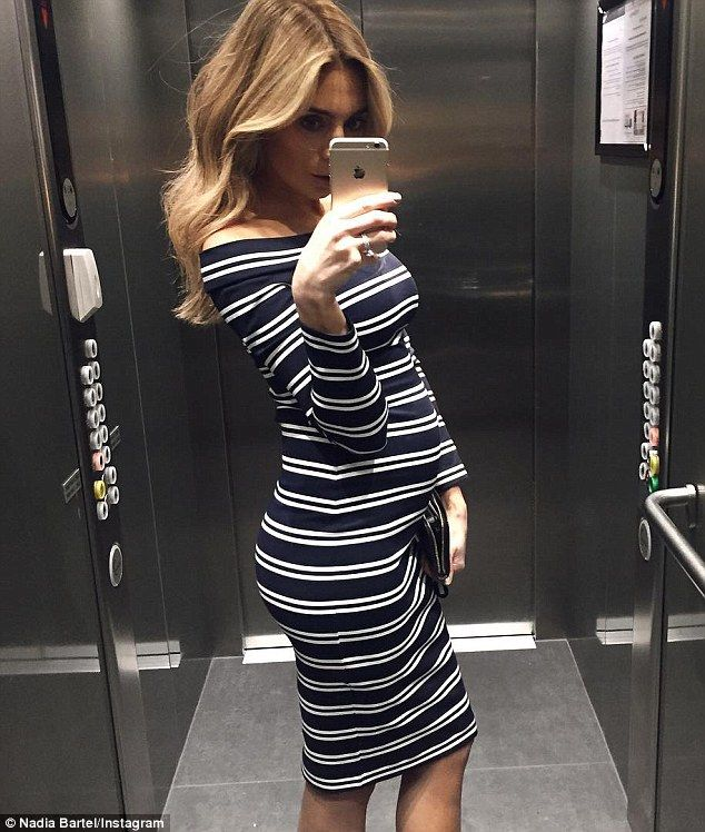 Blogger Nadia Bartel shows off her blossoming pregnant belly