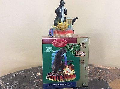 CARLTON-CARDS-GODZILLA-IS-COMING-TO-TOWN-ORNAMENT-ELECTRONIC-New-In-Box