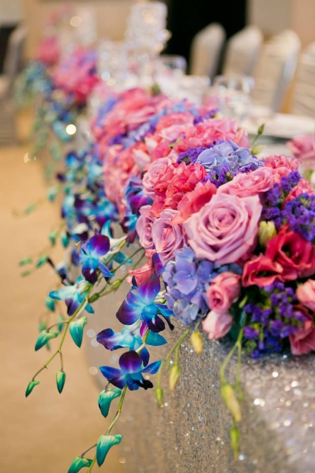 A glamorous and colourful city wedding at St. Andrews Club, Toronto. Wedding and Event Design by Sara Baig Designs, Photography by Manuela Stefan Photography. #colourful #glam #city #wedding #decor