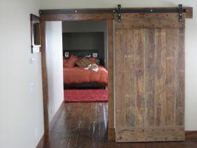 Sliding barn doors hanging on flat tracks: Want.