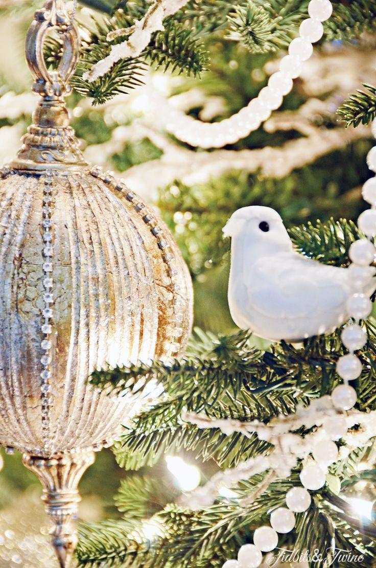 die besten 25 balsam hill trees ideen auf pinterest christbaumschmuck weihnachtsbaum und. Black Bedroom Furniture Sets. Home Design Ideas