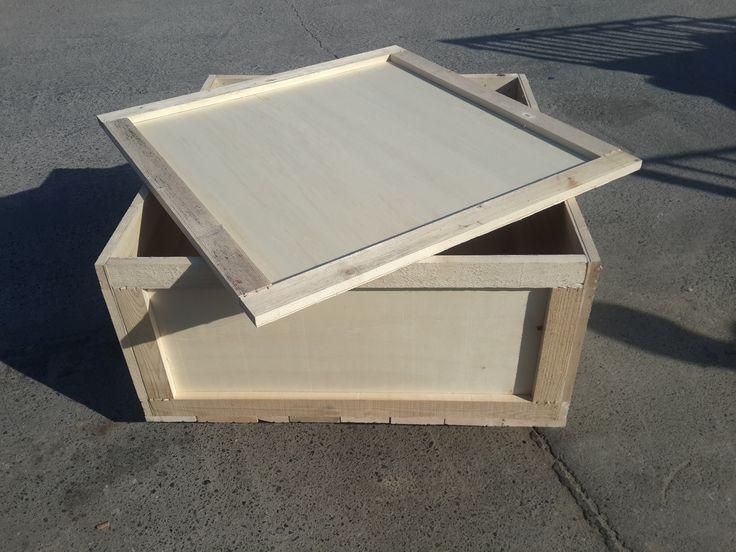 Kontrplak malzemesinden üretilen hafif ve kullanışlı ahşap ambalaj kasalardır. http://goo.gl/CjpzYG