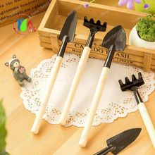 3Pcs Mini Garden Hand Tool Kit Plant Gardening Shovel Spade Rake Trowel Wood Handle Metal Head Gardener Free Shipping(China (Mainland))