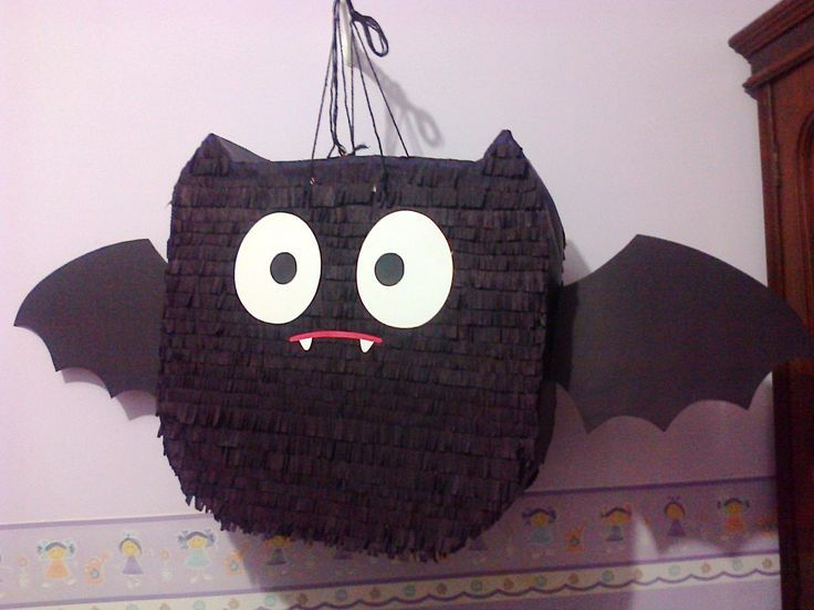 Piñata morcego, para festa tema Hotel Transilvania