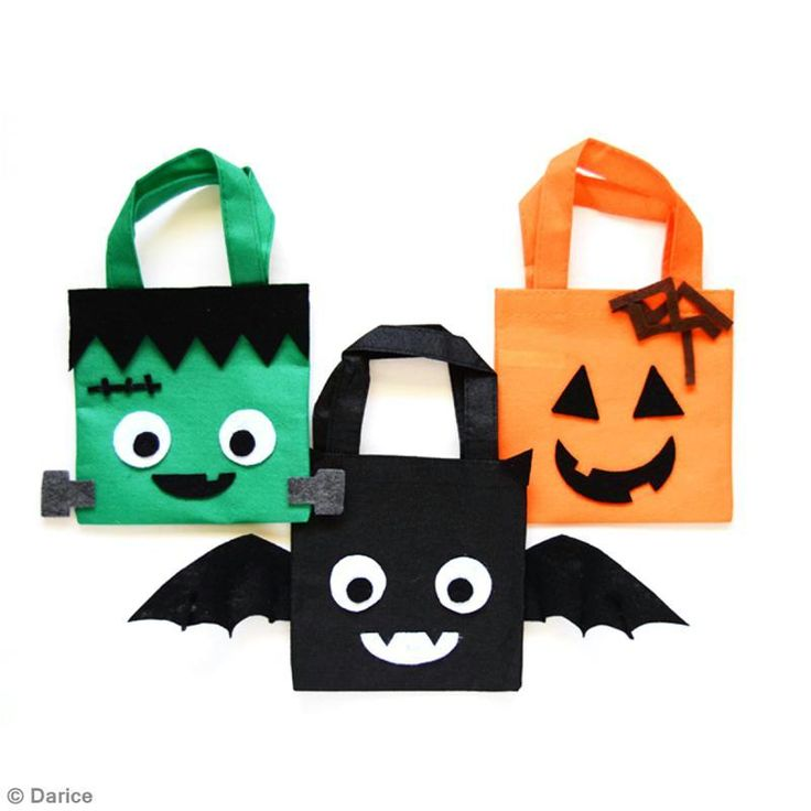 Descubre cómo personalizar una bolsita para Halloween. ¡Solo necesitas una bolsa de tela básica para conseguir en una bolsa de Halloween!