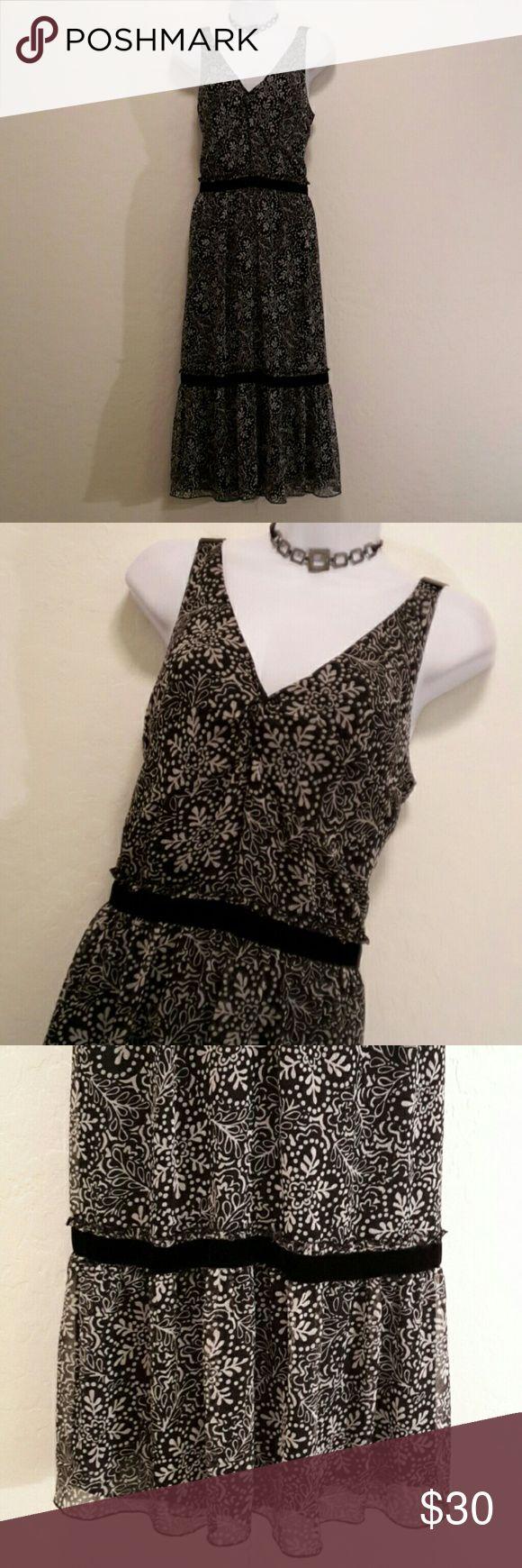 NWOT Anne Taylor LOFT Black Tan Flowy Sundress Never Worn, Stretch, Black Velvet Trim, Lined, Hack Zipper, Ruffle Hem, V-neck, Cool Print & Colors, Accessories not included. Dresses